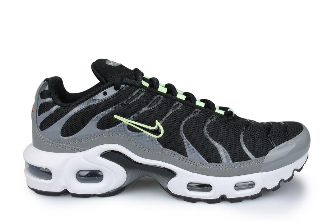 Nike Air Max Plus TN Junior Noir - Street Shoes Addict