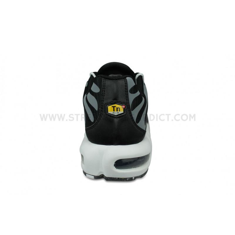 Nike Air Max Plus TN Regrind Noir